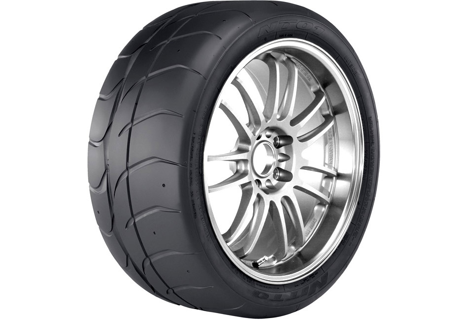 Nitto NT01 Road Race Tire - 275/40R17