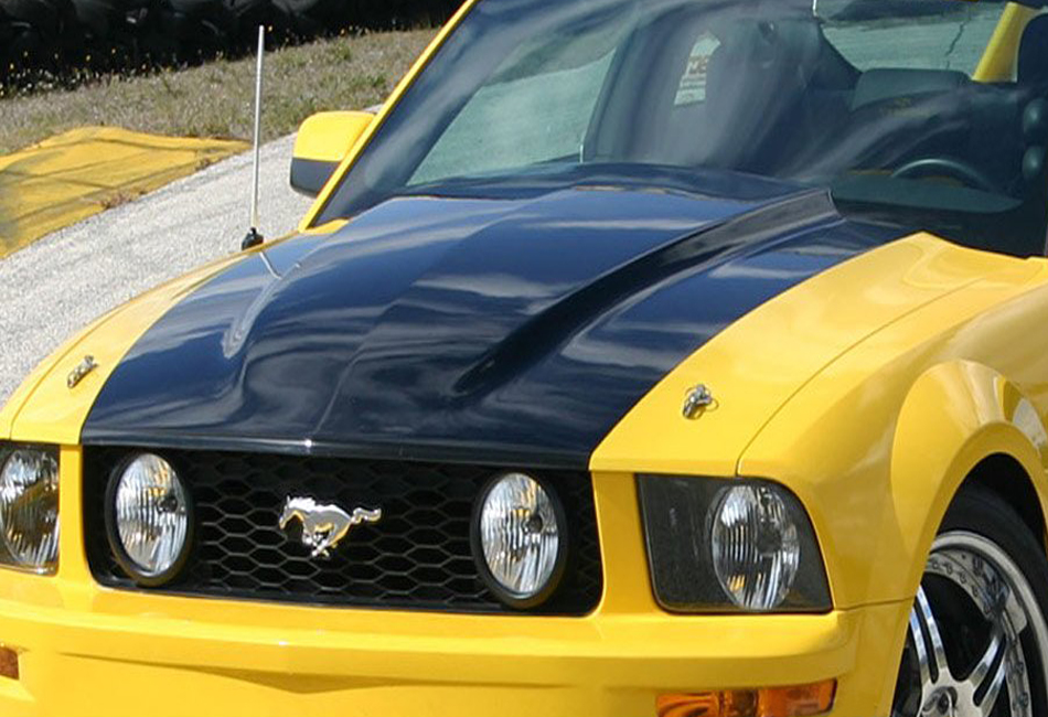 Steeda Mustang Ultralite Full Cowl Induction Hood (05-09)