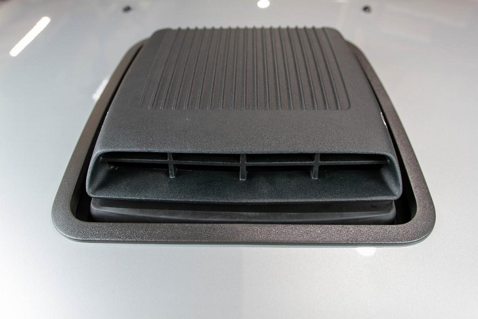 Classic Design Concepts Mustang GT Shaker Hood System (2005-2009)